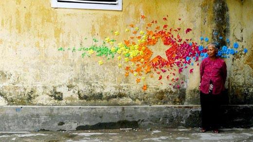 Mademoiselle Maurice,origami,calles,urban,installations,arte,art,papiroflexia,colores,colors,vietnam,hong kong,estrella,star,rainbow,arcoiris