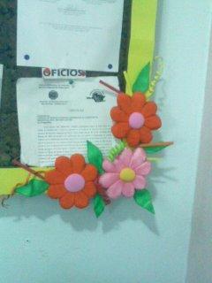 Flores de anime con hojas de foami