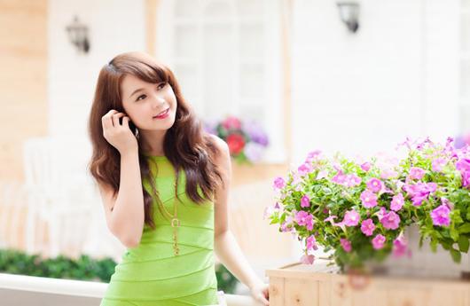 Ngắm hình ảnh hot girl Sam xinh tươi trong sắc xanh
