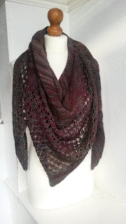 Mrs U Makes... Sunwalker Shawl