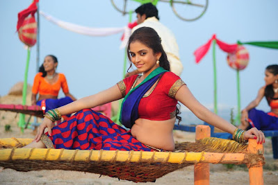 Sheena Shahabadi hot Navel Photos in Half Saree