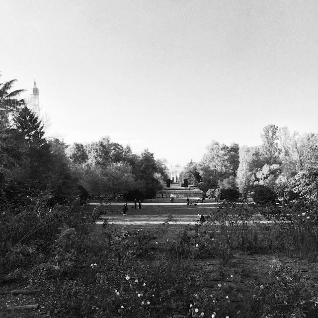 Parco Sempione Milano Black & White http://elisiroflife.blogspot.com