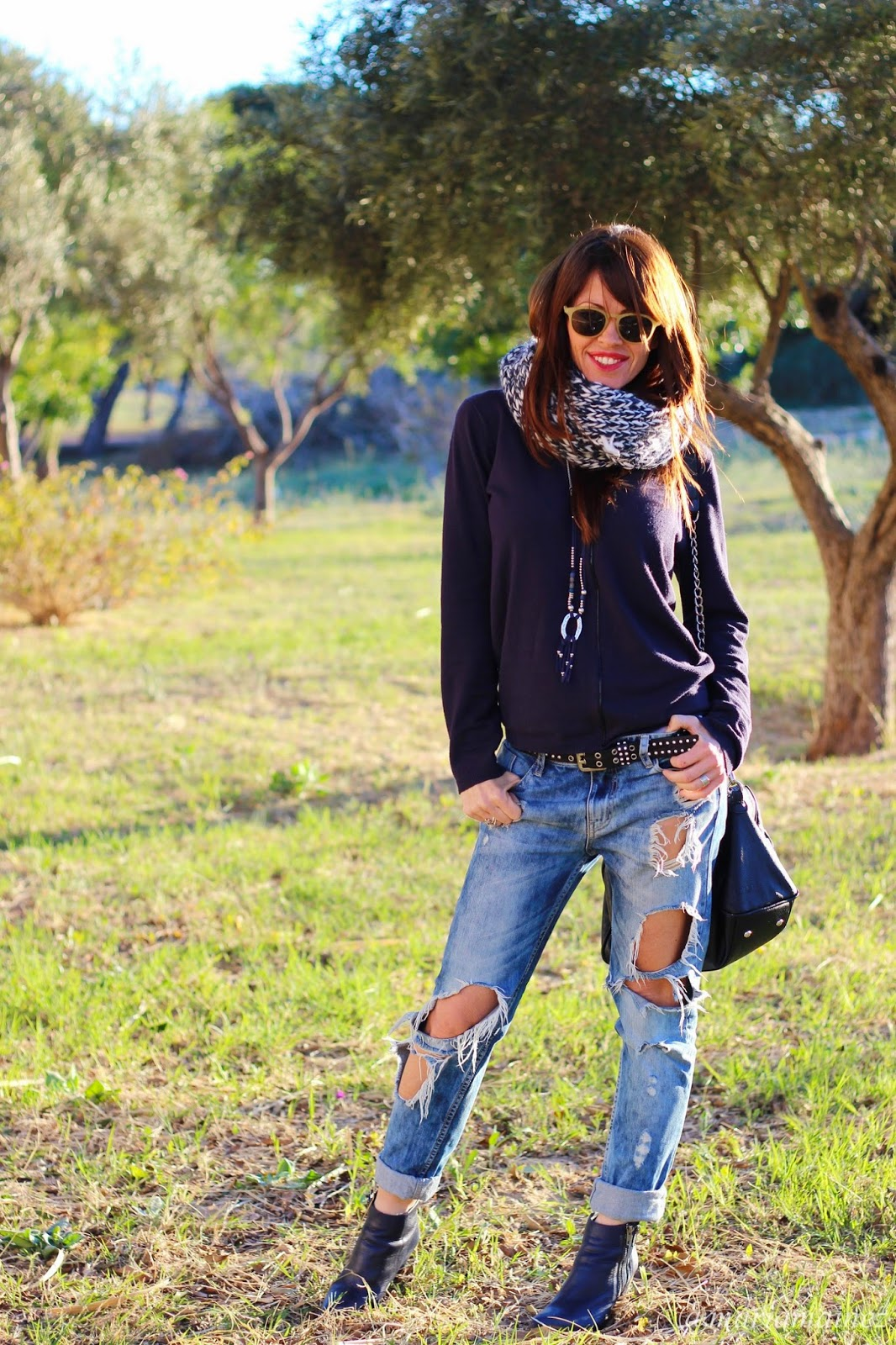 Boyfriends denim - streetstyle - pepe moll bags - botines Sandra Morales