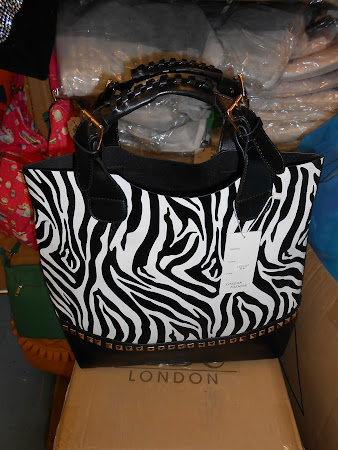 MUST BEBA KIMNYAMA ZAIDI HANDBAG 'BY FLORA LYIMO DESIGNS & TRADES'
