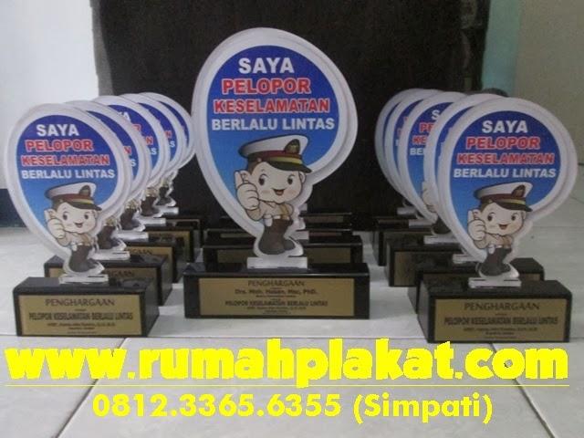 Piala Pelopor Keselamatan Berlalu Lintas, Pusat Plakat Akrilik Surabaya, Pusat Piala Surabaya, 0856.4578.4363