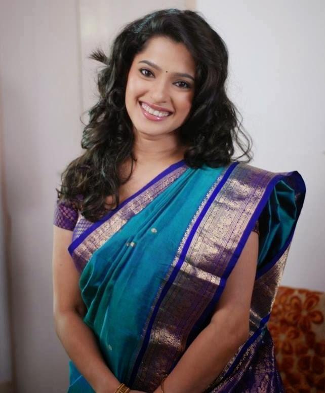 priya bapat images6