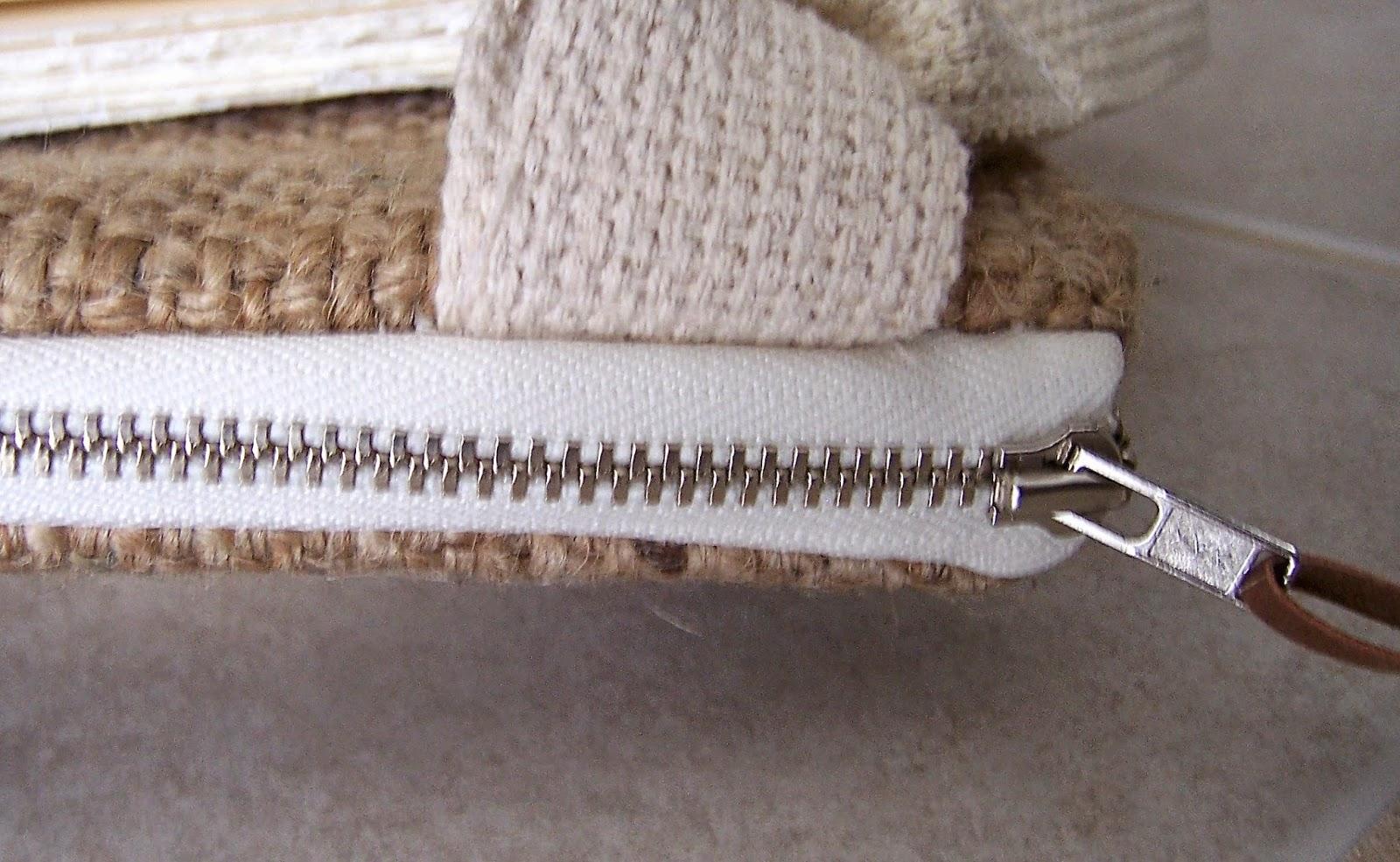 Jute Mills burlap bag zipper - linaandvi.blogspot.com - Plymouth MI
