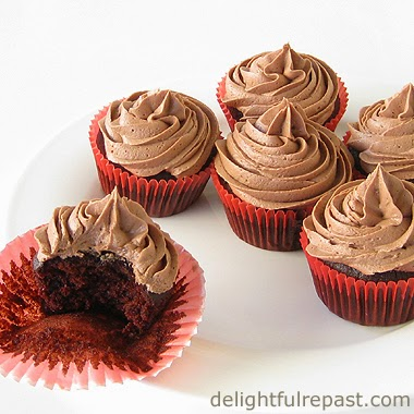 Small Batch Chocolate Cupcakes / www.delightfulrepast.com
