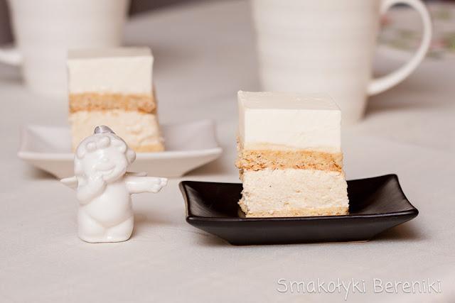 ciasto grysikowo-jogurtowe z kajmakiem