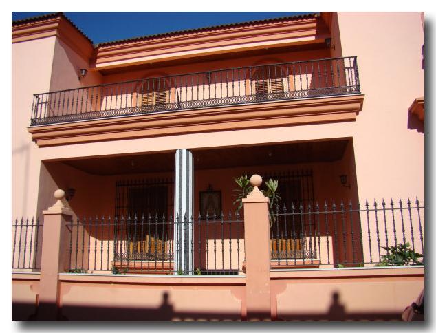 Fachada de domicilio particular. Calle Las Pastoras.