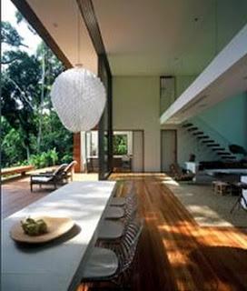 Sala de estar de una residencia contemporánea en Iporanga