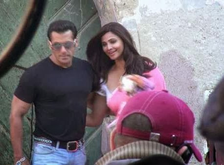 Salman Khan And Daisy Shah