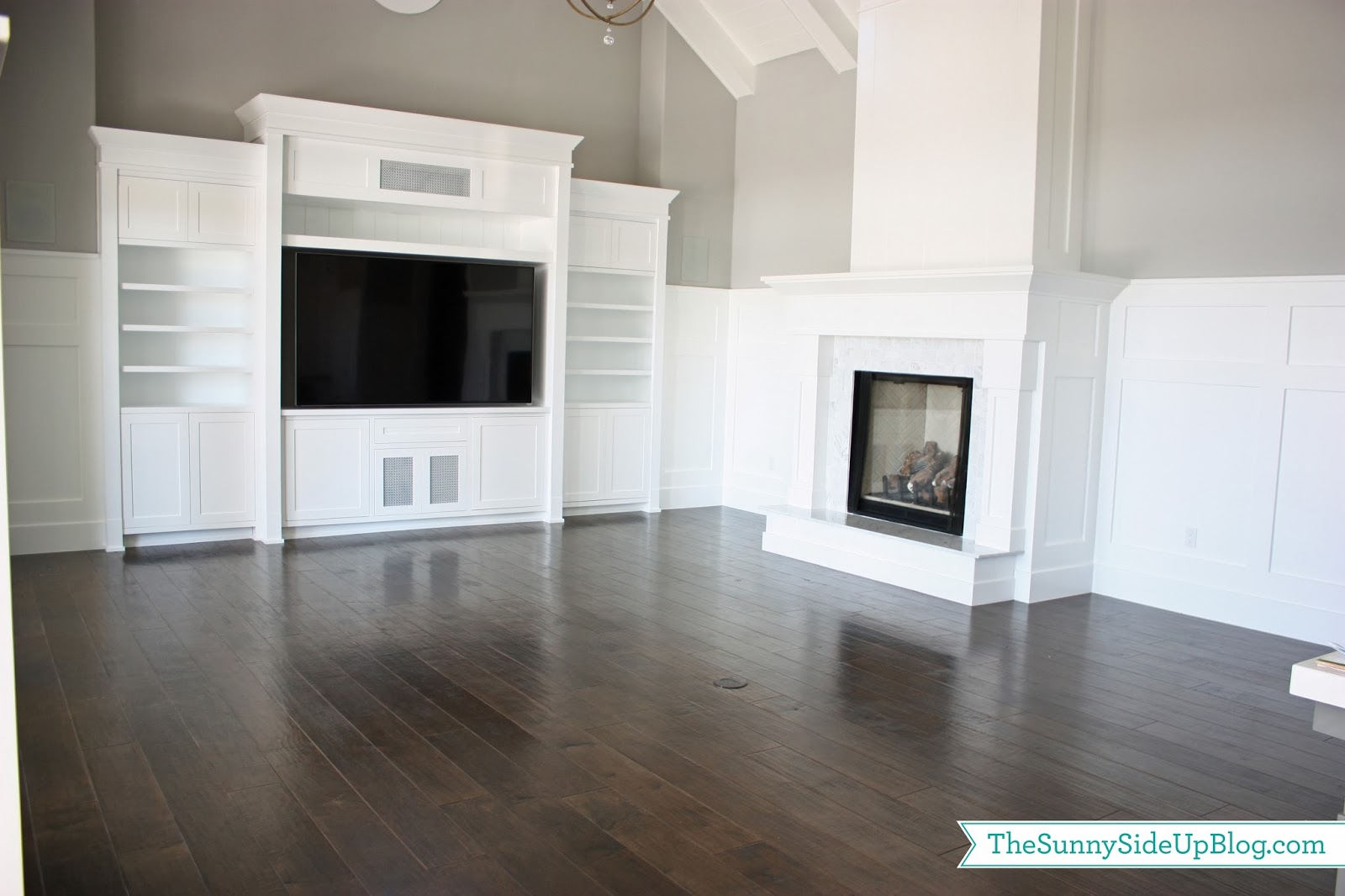 Hardwood flooring the sunny side up blog Paint colors that go with grey flooring