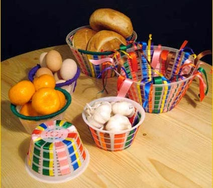 oggetti creativi fai da te : Oggi realizzeremo dei cestini colorati utilizzando le ciotole che ...