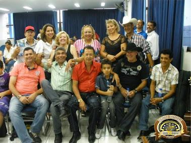 AMIGOS...Com Zulania Borges, Locutor Nezito, Iara Aparecida Benedeti Cunha, Soraya Godinho, Edson B