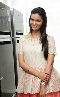 Actress Meenakshi Dixit Latest Pictures at Yes Mart Launch  29.jpg