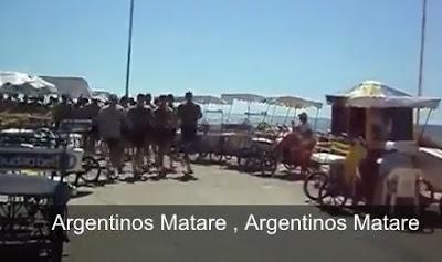 marinos chilendo cantando en contra de peru, argentinos y bolivianos