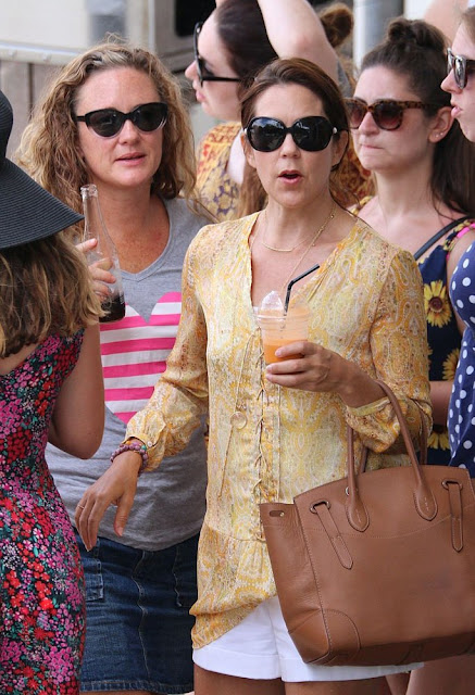 Crown Princess Mary of Denmark and her elder daughter Princess Isabella was seen at the downtown of Byron Bay while shopping