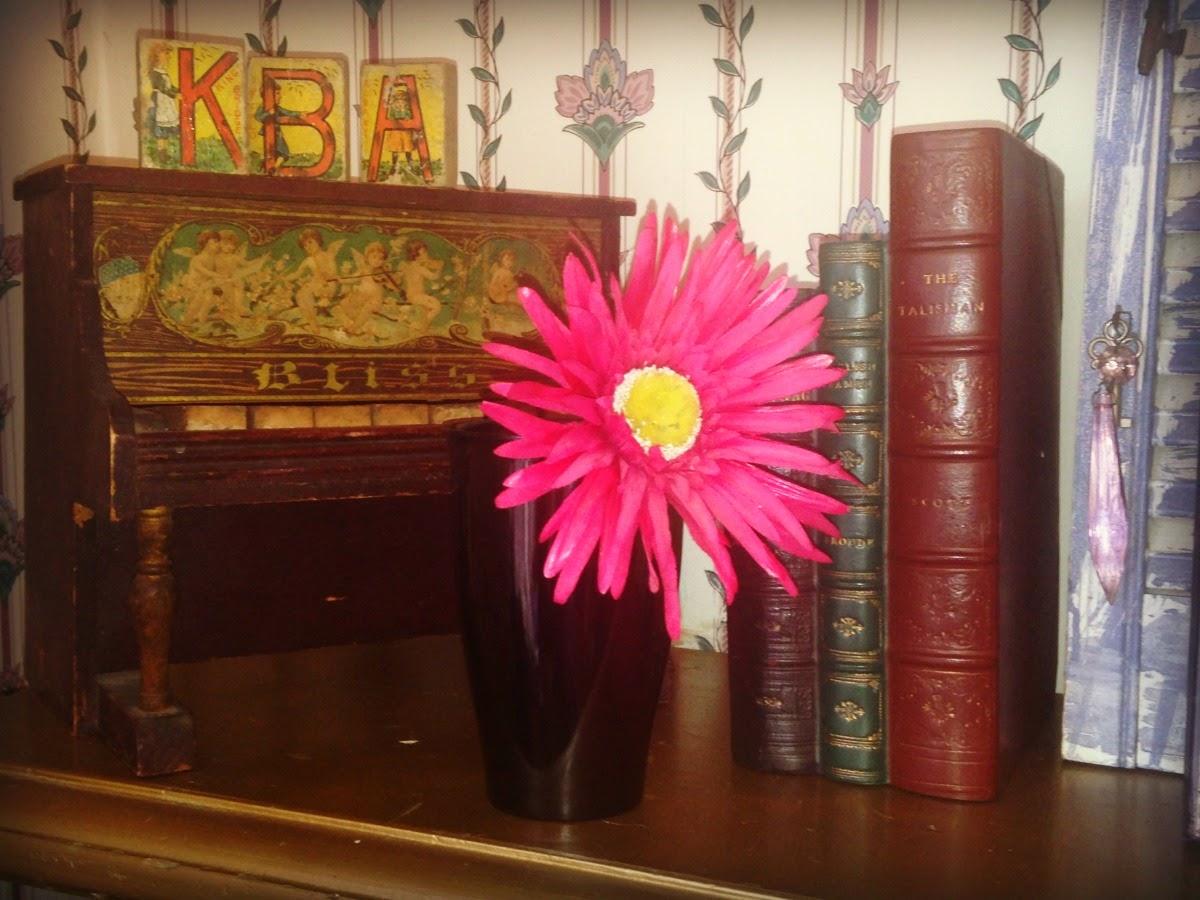 Flower Vase Russel Wright Melmac