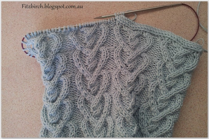 Knitting Patterns For Scarves Free : FitzBirch Crafts: Picot Hearts Neck Warmer