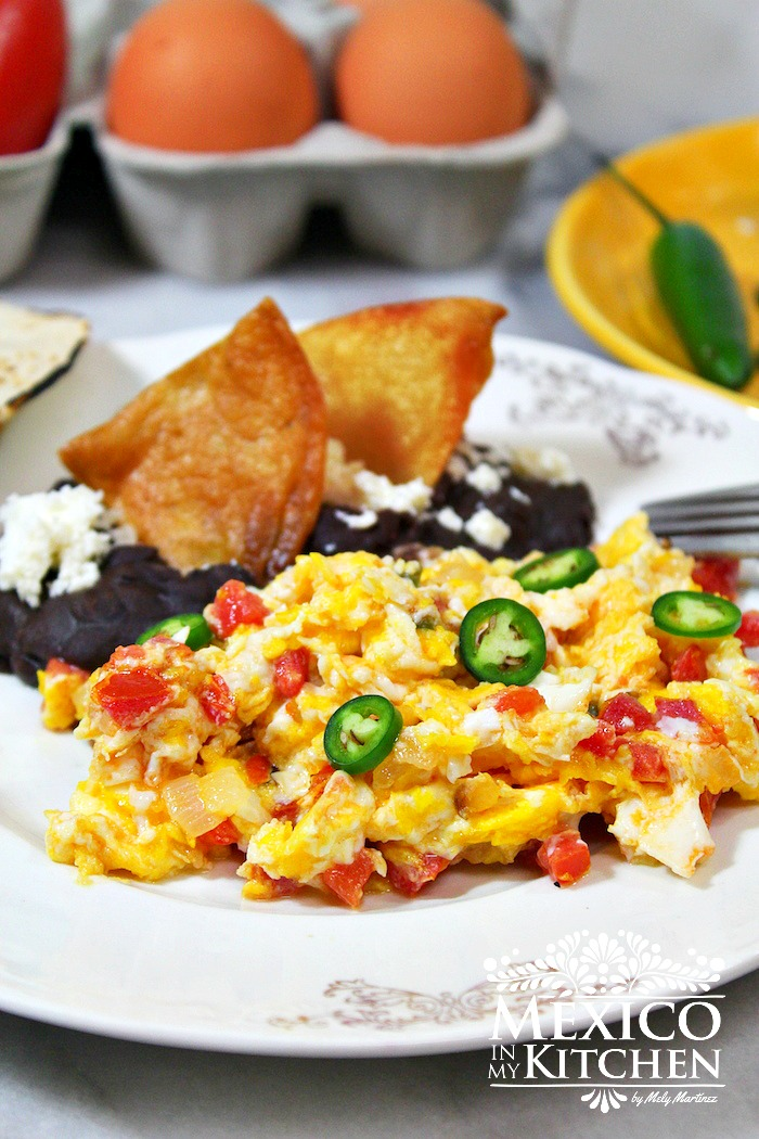 Mexico in My Kitchen: Mexican Style Scrambled Eggs - Huevos a la ...