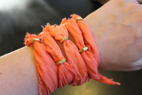 crafty jewelry with recycling ideas