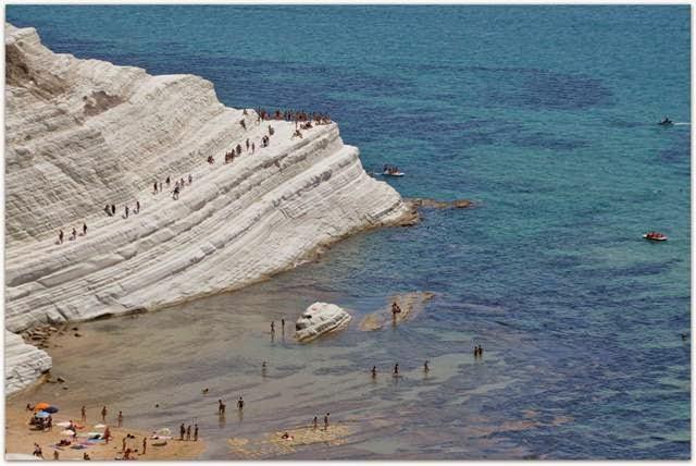 Scala dei Turchi — Unusual beach on the island of Sicily, Italy