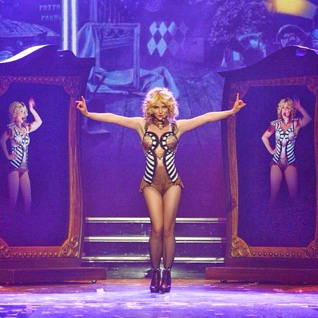 Britney Spears dances performance in spain on March 2014