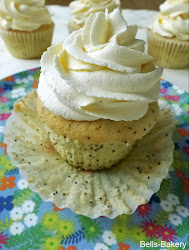 Lemon Poppy seed Cupcakes with Vanilla Buttercream Frosting