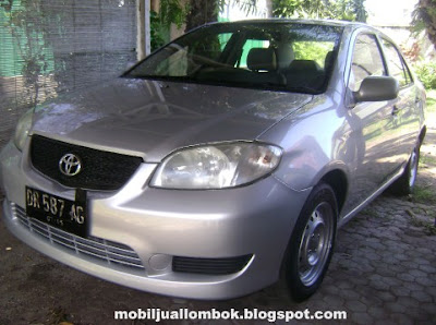 Toyota Limo eks Blue bird group lombok taksi warna silver