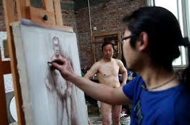 Vất vả tủi thân với nghề làm người mẫu nude 8