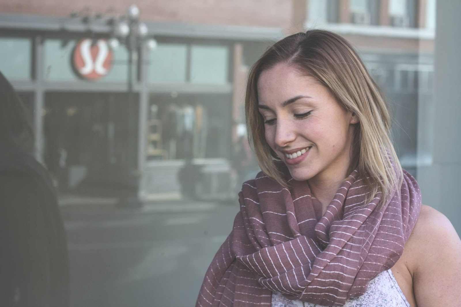 lululemon find-your-om-scarf