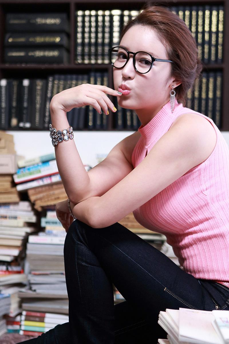 xxx nude girls: Cute Yoon Joo Ha