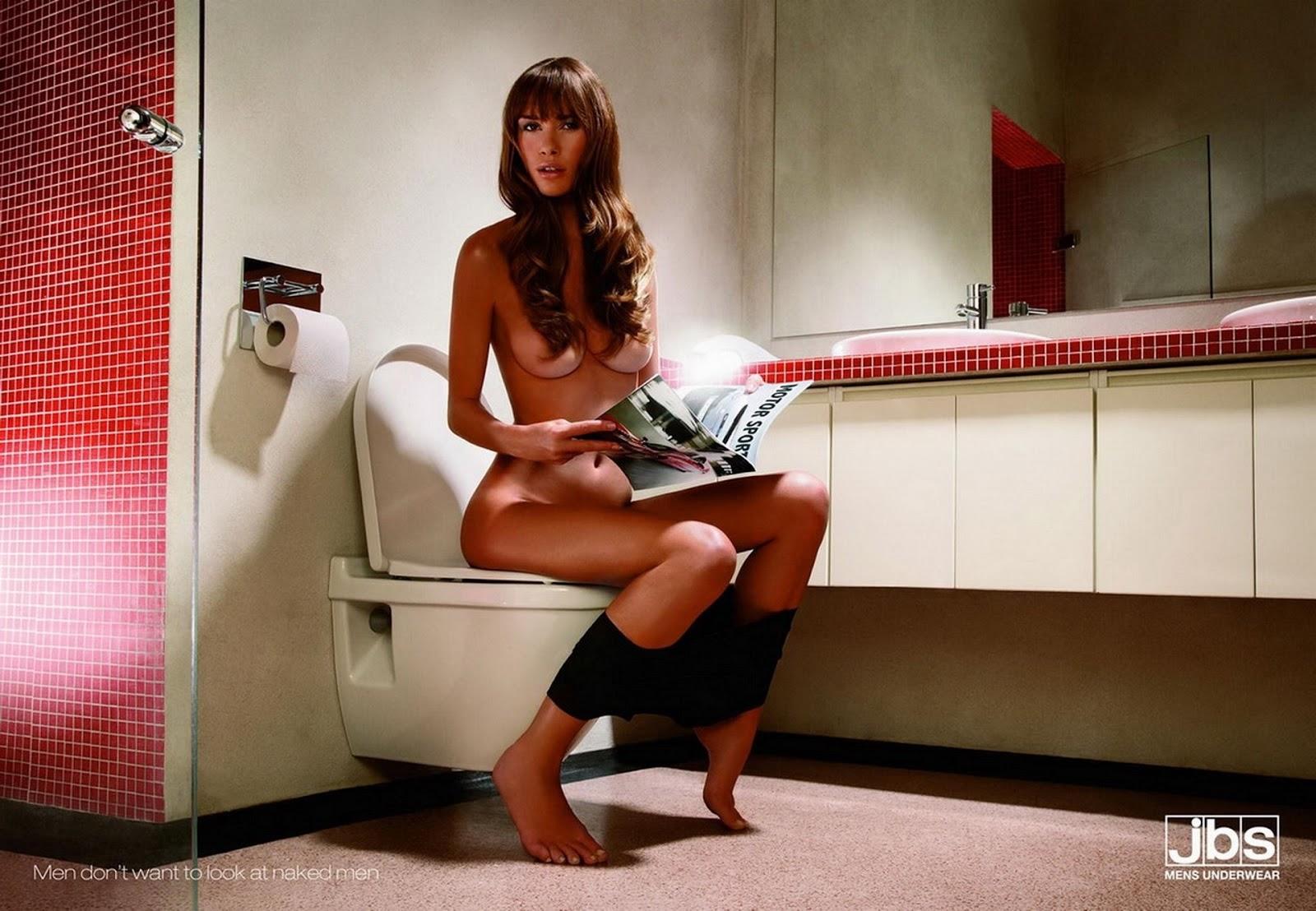 Эротические картинки девушек на унитазе 7 фотография