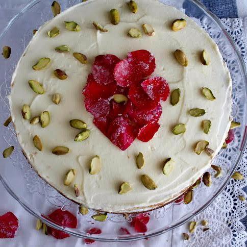 http://cakesamedida.blogspot.com/2014/03/persian-love-cake-o-tarta-persa.html