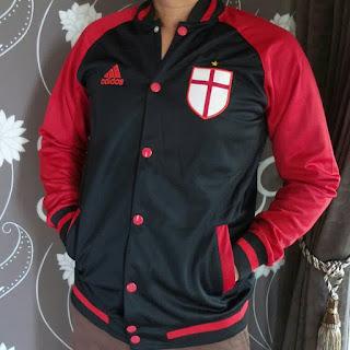 desain terbaru jaket baseball terbaru musim depan gamabr foto photo kamera Desain terbaru Jaket VArcity Ac Milan Adidas warna hitam merah terbaru musim 2015/2016 di enkosa sport toko online terpercaya lokasi di jakarta pasar tanah abang