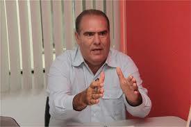 Resultado de imagem para fotos de ricardo moura prefeito de valença