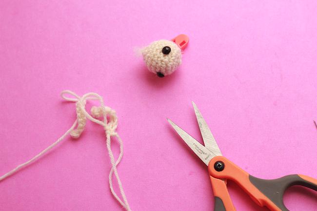 Amigurumi Rabbit For Beginners : Amigurumi mini bunny for beginners The Sun and the Turtle