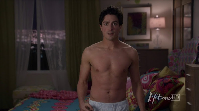 Ben Feldman Shirtless in Drop Dead Diva s3e02