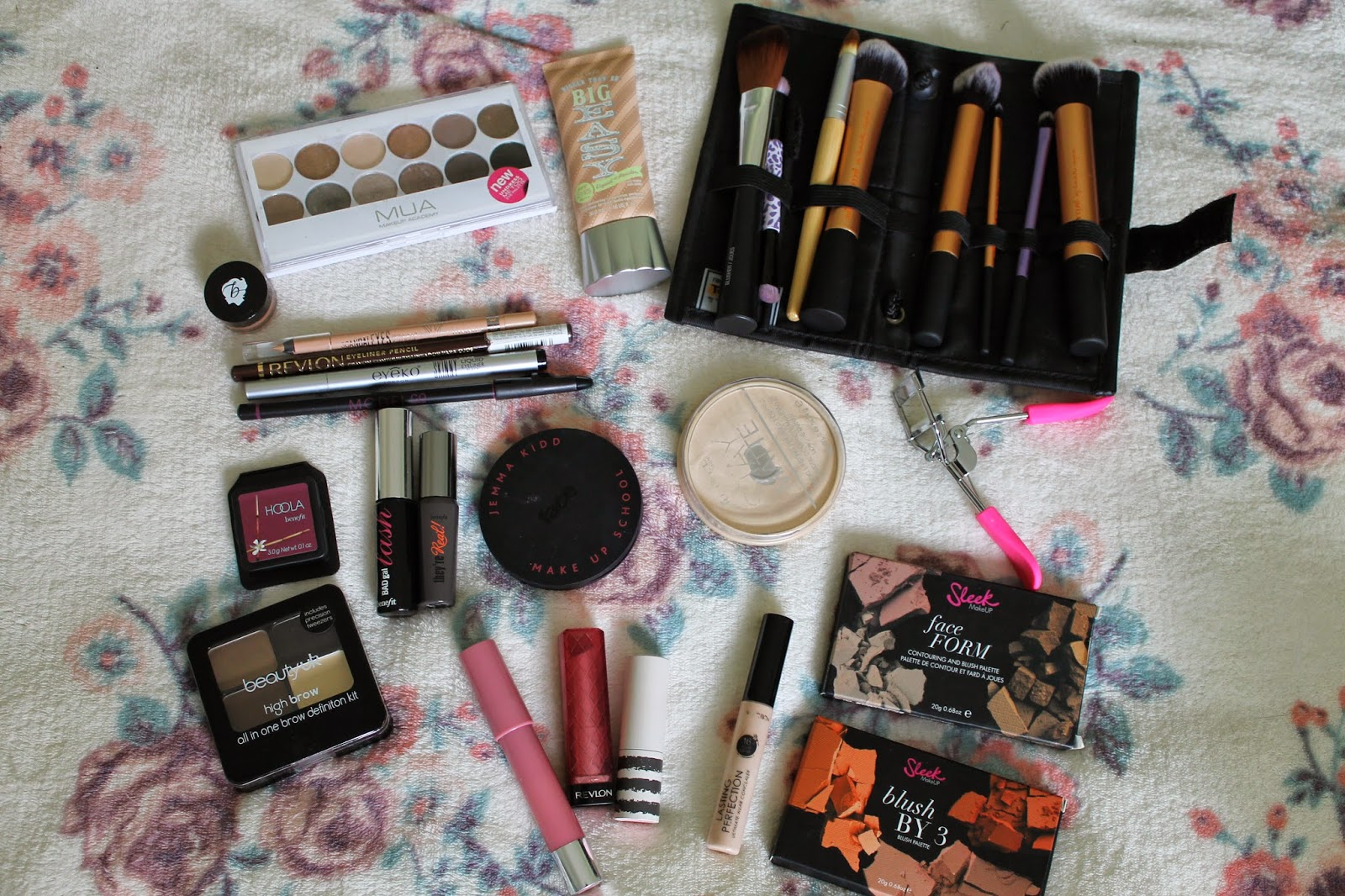 What's in my holiday make-up bag?