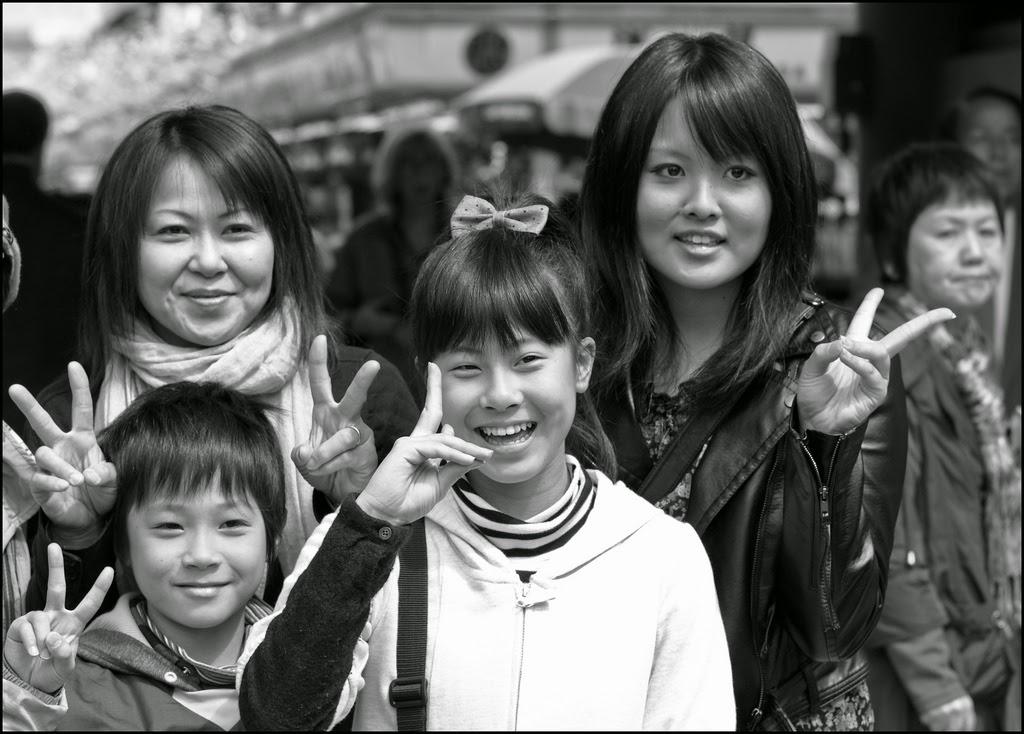 japoneses posando