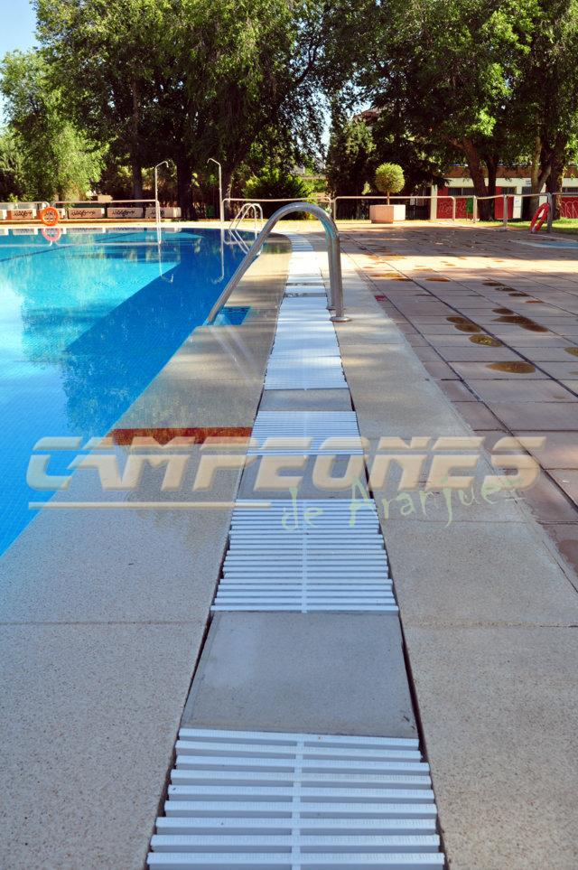 Esta piscina es una ruina campeones de aranjuez for Rejilla piscina
