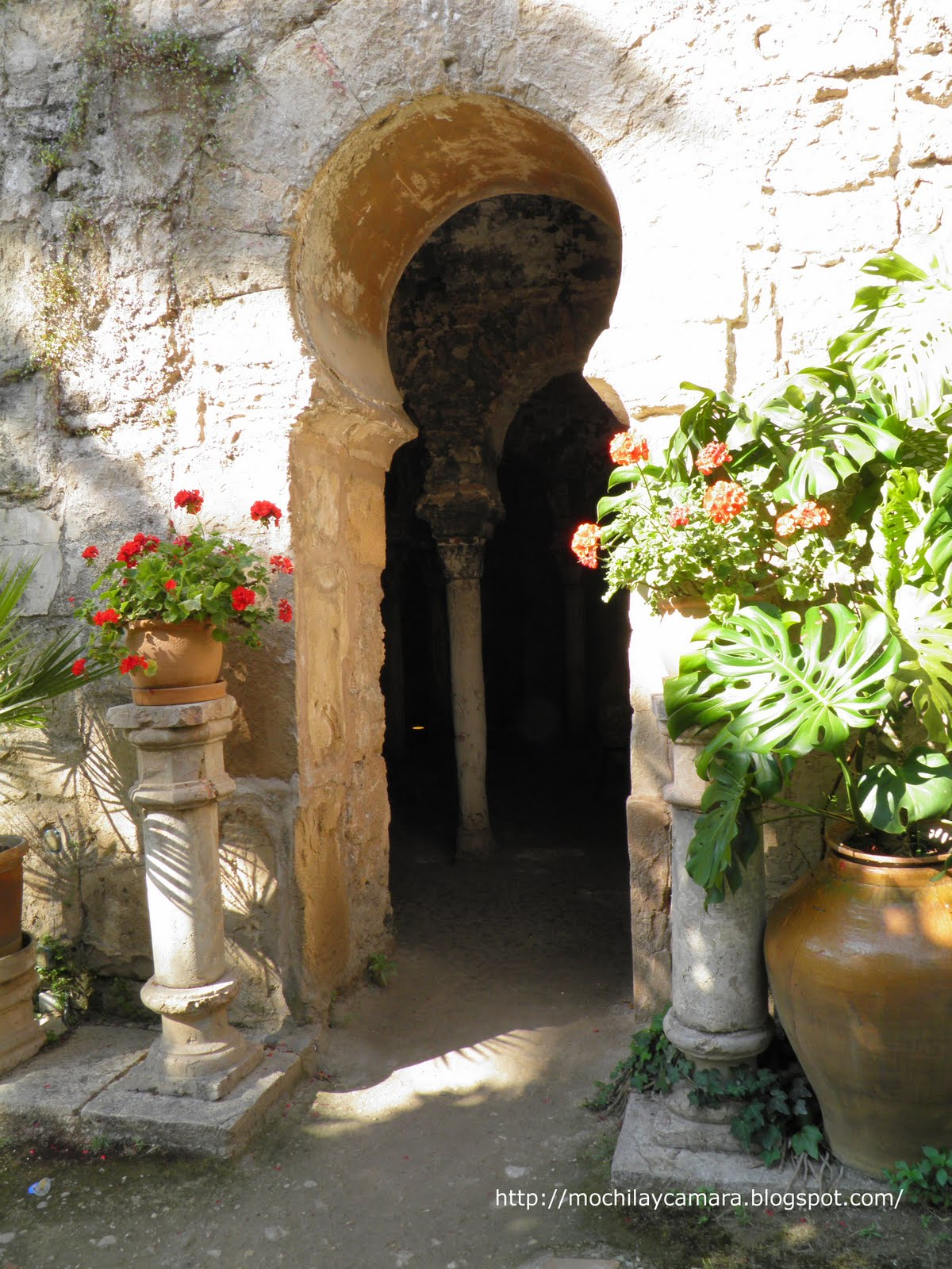Baños Arabes Mallorca:Mochila y Camara: Los baños árabes de Palma de Mallorca