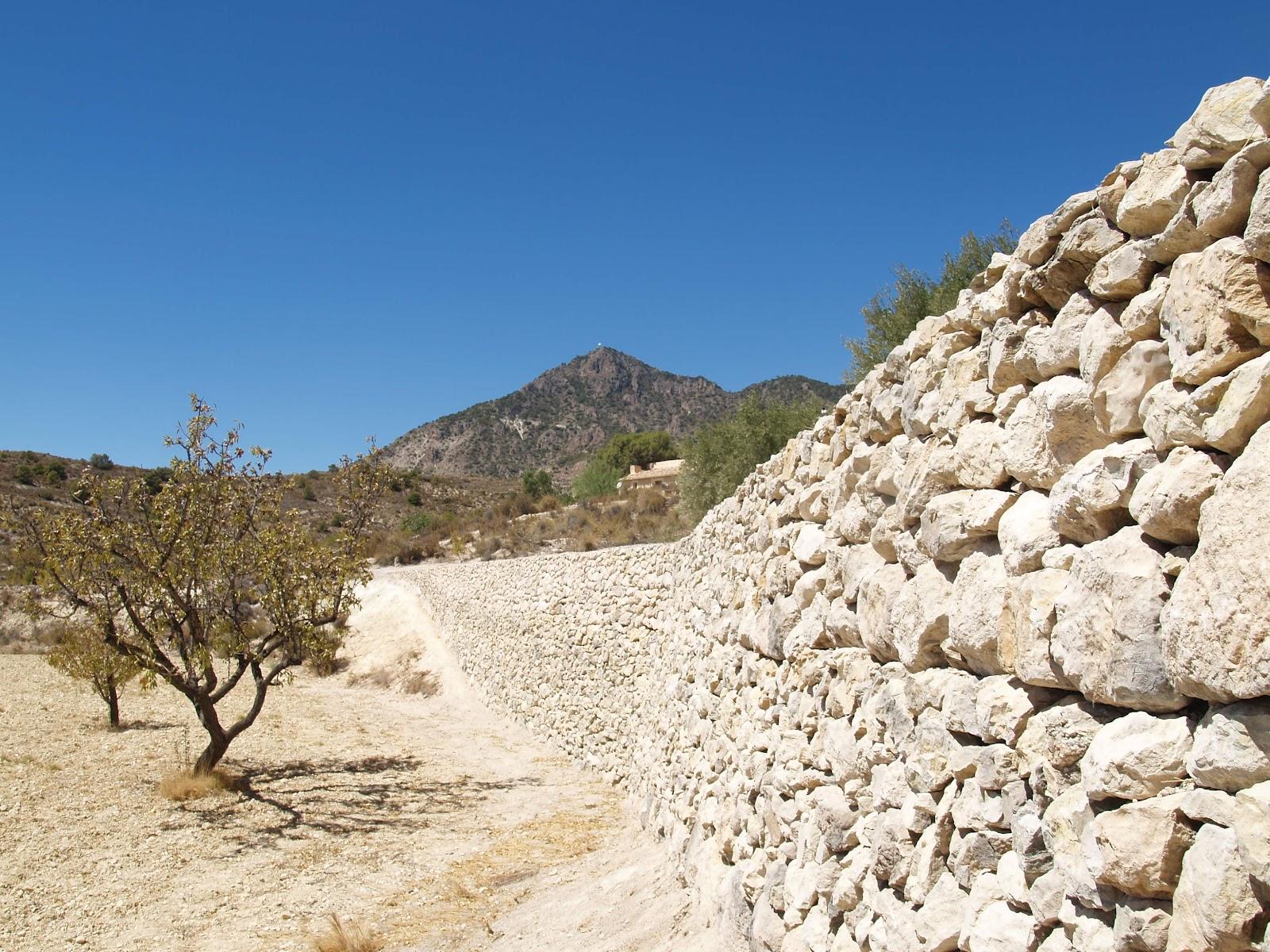 Finca el anillao los muros de piedra seca en la finca el - Muros de piedra ...