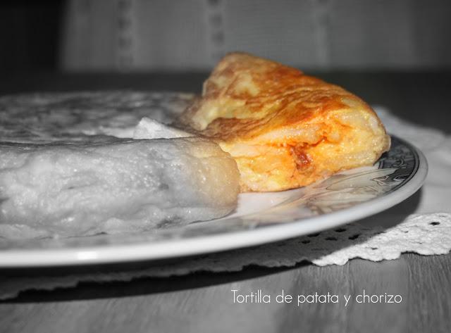 tortilla de patata y chorizo ,QuéBox