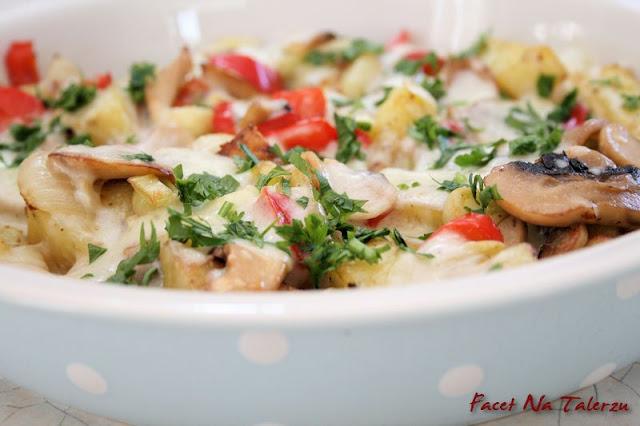 ziemniaki pieczone z bryndzą i pieczarkami