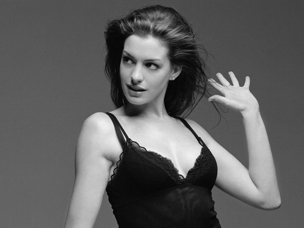 http://1.bp.blogspot.com/-ughx_BK-A5E/UMzZtQeHa0I/AAAAAAAAQdM/qaHFH6hUplg/s1600/Anne-Hathaway-25.jpg