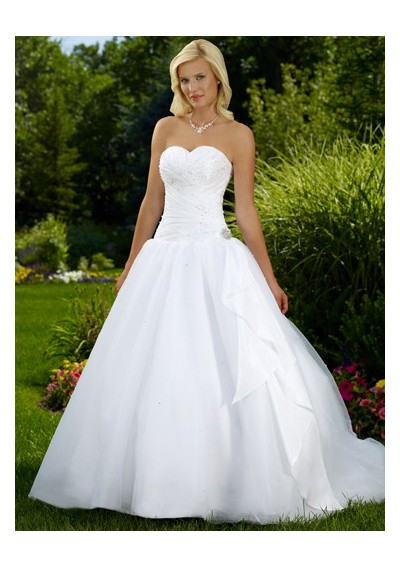 White rose weddings celebrations events lets talk more for Princess style wedding dresses sweetheart neckline