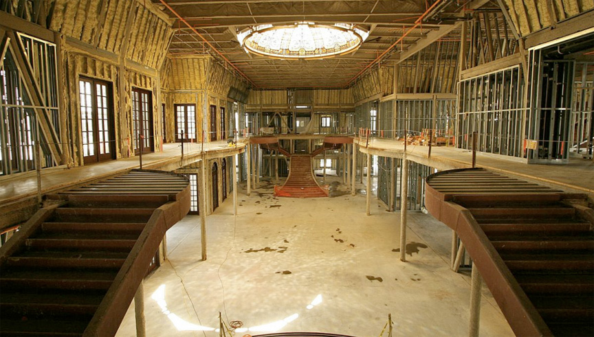 Real Estate Agent Property They Call It Versailles