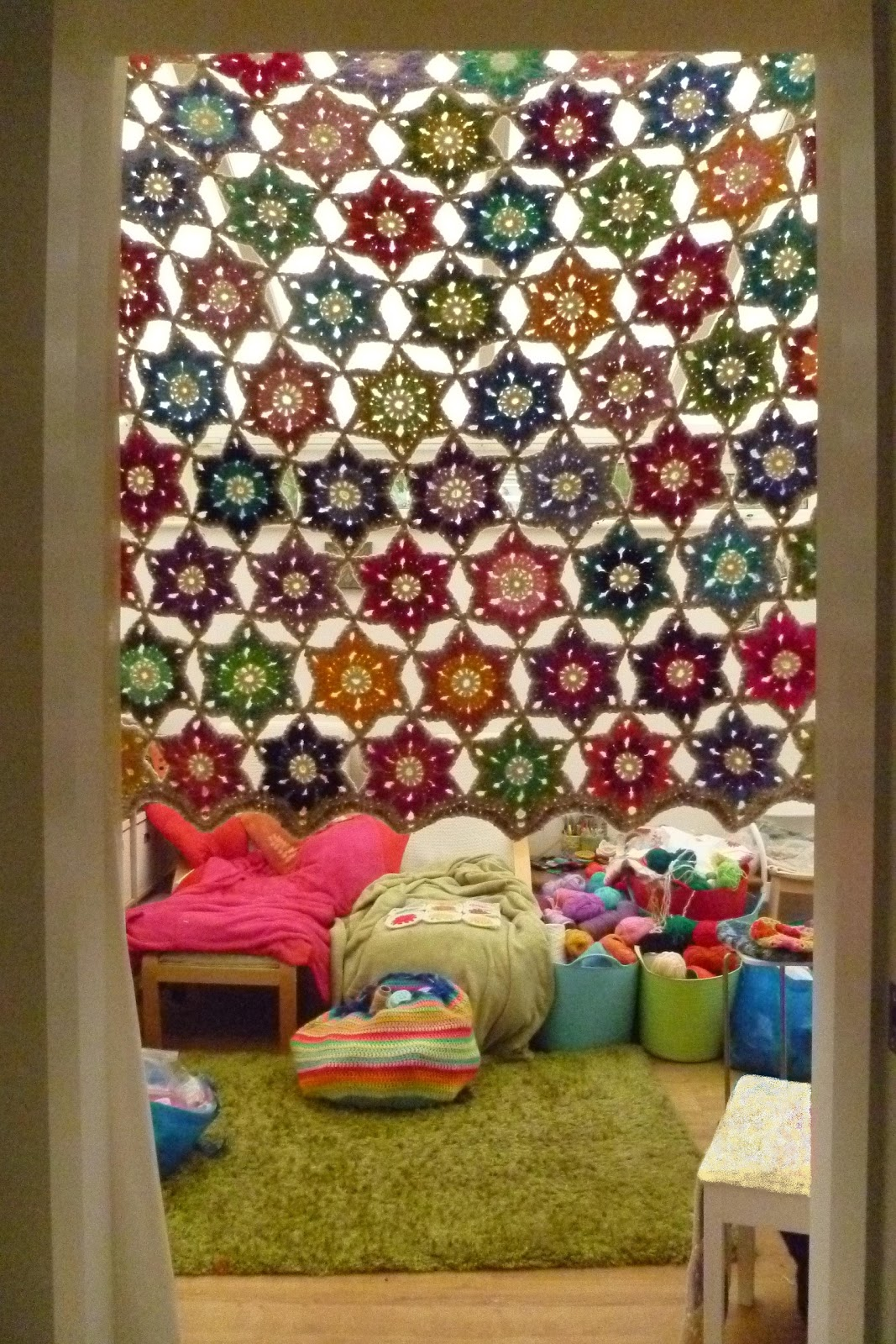 Crochet Flower Curtain Free Pattern : African Flowers, Crochet Granny Squares and colorful ...